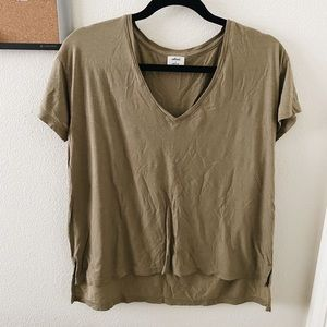 Aritzia Wilfred olive green v neck t shirt